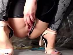10 min - Leggings ejaculation