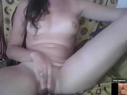 15 min - Young italian wife exposing