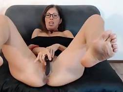 9 min - Mature slut shows oiled