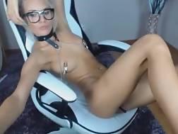 10 min - Webcam girlie nip clamps