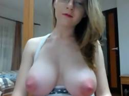 20 min - Gals amazing breasts pink