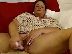 5 min - Bbw mature dildoing cunt