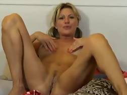 10 min - Hot mature playing ass