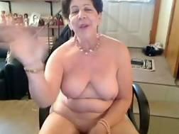 5 min - Old amateur saggy nipple