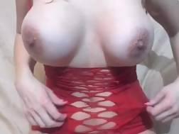 5 min - Sexy milf show body